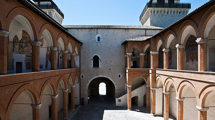 Affascinarsi all'atmosfera romantica dell'Umbria