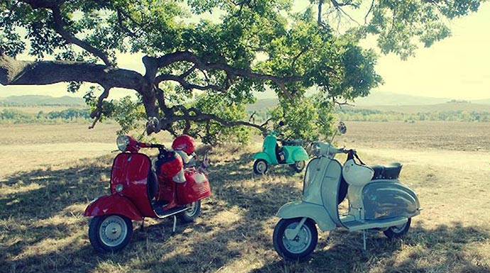 Esperienze e Week end Vintage Tours - Montepulciano in Vespa, Loc. Fornaci passion_momentiperdue_montepulcianoinvespa_690xx385.jpg