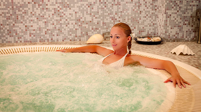 Coccolarsi con un idromassaggio in Private Spa